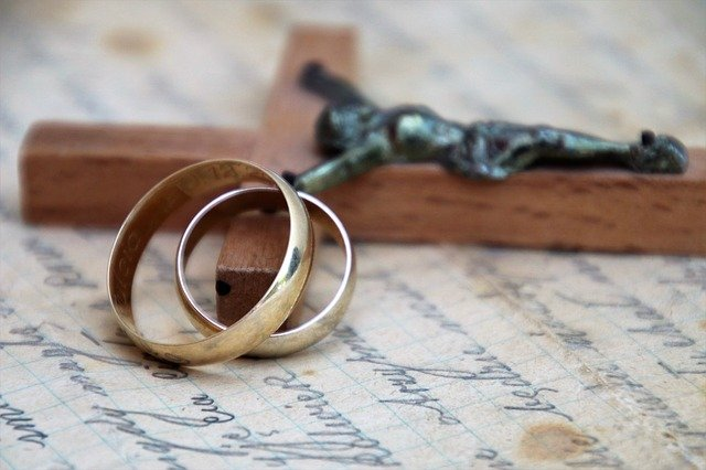 Wedding rings with crucifix