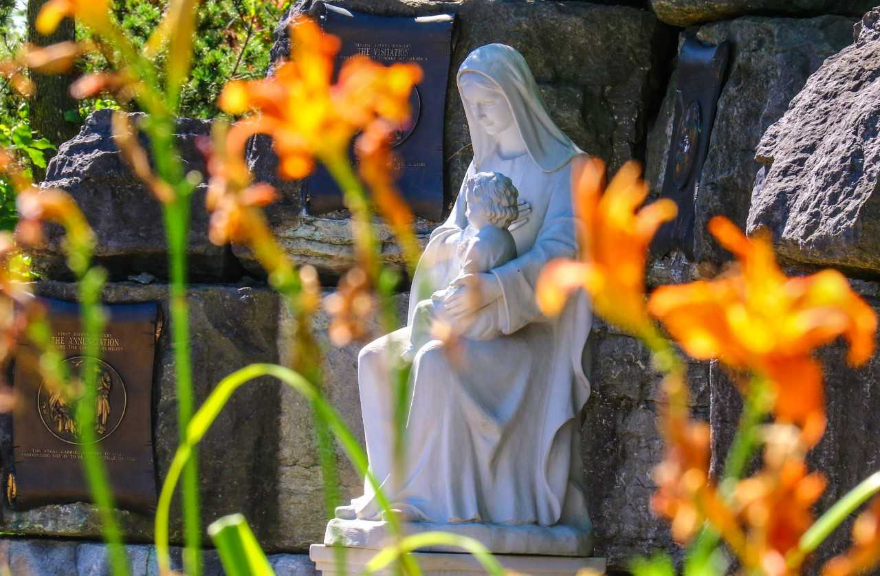 Catholic Cemeteries Image
